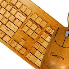 wooden keyboard and mouse