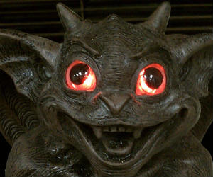 Solar Glowing Eyes Gargoyle