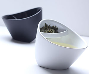 Tilting Tea-Strainer Cup