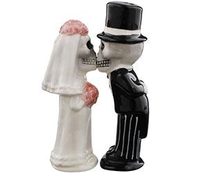 Bride & Groom Skeletons Kissing Magnetic Salt & Pepper Shakers