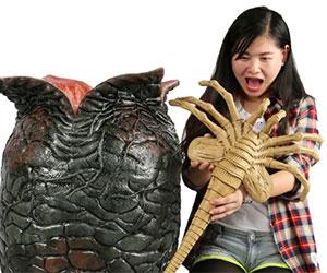 alien facehugger toy